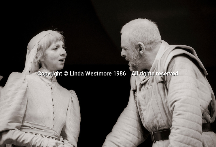 """Goneril (Anna Massey) and King Lear (Anthony Hopkins) in  """"King Lear"""" by William Shakespeare at the National Theatre, London 1986.  Directed by David Hare and designed by Hayden Griffin."""