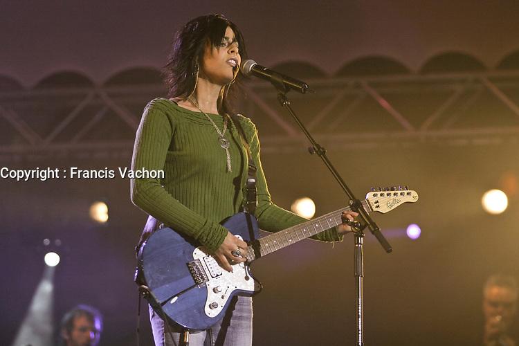 Migraine Morrissette performs at the Saint-Jean-Baptiste show on the Plains of Abraham Thursday June 23, 2005.