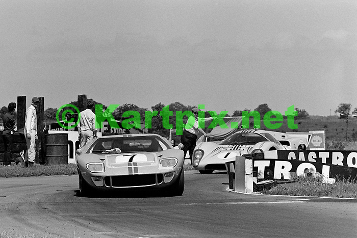 Ian Williams W. D. & H. O. Wills International Trophy Race For Group 4 Sports Cars