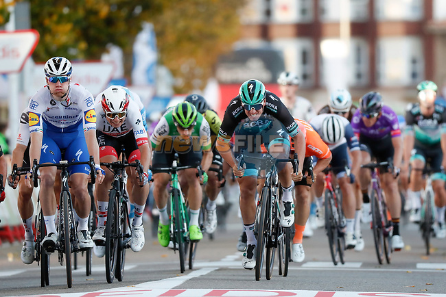Sam Bennett (IRL) Deceuninck-Quick Step outsprints Pascal Ackermann (GER) Bora-Hansgrohe to win Stage 9 of the Vuelta Espana 2020, but is later disqualified, running 157.7km from B.M. Cid Campeador. Castrillo del Val to Aguilar de Campo, Spain. 29th October 2020.    <br /> Picture: Luis Angel Gomez/PhotoSportGomez | Cyclefile<br /> <br /> All photos usage must carry mandatory copyright credit (© Cyclefile | Luis Angel Gomez/PhotoSportGomez)