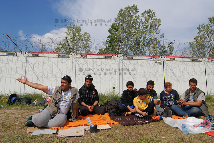 Subotica / Serbia  160416<br /> A family of Iranian refugees stuck in no man's land between Serbia and Hungary. They are living outdoors for weeks with no hope. Only MSF mobile clinic delivers food, water, blankets and medical treatments.<br /> Photo Livio Senigalliesi