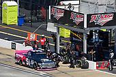 #51: Chandler Smith, Kyle Busch Motorsports, Toyota Tundra iBUYPOWER pit stop