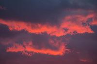 Regenwolken ueber Berlin beim Sonnenuntergang.<br /> 5.5.2020, Berlin<br /> Copyright: Christian-Ditsch.de<br /> [NUR FUER REDAKTIONELLE ZWECKE! Werbung nur auf Anfrage beim Fotografen. Inhaltsveraendernde Manipulation des Fotos nur nach ausdruecklicher Genehmigung des Fotografen. Vereinbarungen ueber Abtretung von Persoenlichkeitsrechten/Model Release der abgebildeten Person/Personen liegen nicht vor. NO MODEL RELEASE! Don't publish without copyright Christian-Ditsch.de, Veroeffentlichung nur mit Fotografennennung, sowie gegen Honorar, MwSt. und Beleg. Konto: I N G - D i B a, IBAN DE58500105175400192269, BIC INGDDEFFXXX, Kontakt: post@christian-ditsch.de<br /> Bei der Bearbeitung der Dateiinformationen darf die Urheberkennzeichnung in den EXIF- und  IPTC-Daten nicht entfernt werden, diese sind in digitalen Medien nach §95c UrhG rechtlich geschuetzt. Der Urhebervermerk wird gemaess §13 UrhG verlangt.]