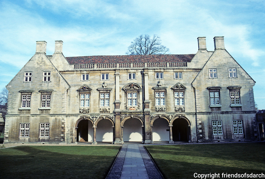 Cambridge: Pepys Library, 1724. Magdalene College. Photo '82.