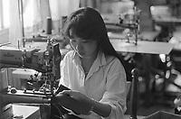 - Chinese immigrants in Campi di Bisenzio(Firenze), leather laboratory....- immigrati cinesi a Campi di Bisenzio (Firenze), laboratorio di pelletterie