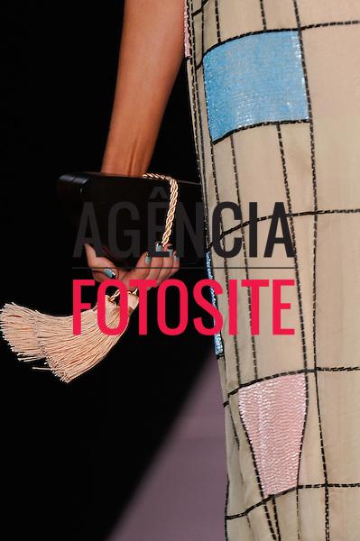 Rio de Janeiro, Brasil – 30/05/2011 - Detalhe do desfile da Acquastudio durante o Fashion Rio  -  Verão 2012. Foto : Marcelo Soubhia / Agência Fotosite