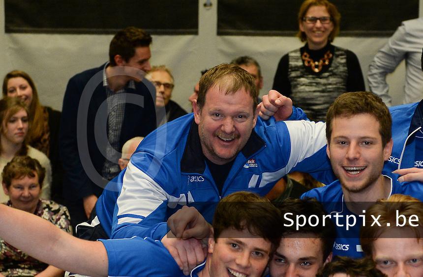 Knack Roeselare B - Doskom Moorslede : Knack B is kampioen met coach Dirk Courtens <br /> foto VDB / BART VANDENBROUCKE