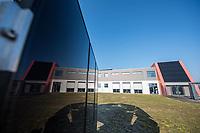 Das Brandenburger Solartechnologie-Unternehmen Oxford Photovoltaics Germany GmbH in Brandenburg an der Havel. Das Unternehmen ist eine Tochtergeseellschaft des britischen Unternehmens Oxford PV, das als Spin-Off der Universitaet Oxford gegruendet wurde.<br /> In dem Werk in Brandenburg soll eine Pilotlinie fuer die von Oxford PV entwickelte Perowskit-Solartechnologie aufgebaut und zur Marktreife gebracht werden. Mit dieser Technologie ist eine wesentlich hoehere Erzeugung von Solarstrom moeglich. Dazu investiert die Firma knapp 15 Millionen Euro in den Brandenburger Standort.<br /> 8.2.2018, Brandenburg an der Havel<br /> Copyright: Christian-Ditsch.de<br /> [Inhaltsveraendernde Manipulation des Fotos nur nach ausdruecklicher Genehmigung des Fotografen. Vereinbarungen ueber Abtretung von Persoenlichkeitsrechten/Model Release der abgebildeten Person/Personen liegen nicht vor. NO MODEL RELEASE! Nur fuer Redaktionelle Zwecke. Don't publish without copyright Christian-Ditsch.de, Veroeffentlichung nur mit Fotografennennung, sowie gegen Honorar, MwSt. und Beleg. Konto: I N G - D i B a, IBAN DE58500105175400192269, BIC INGDDEFFXXX, Kontakt: post@christian-ditsch.de<br /> Bei der Bearbeitung der Dateiinformationen darf die Urheberkennzeichnung in den EXIF- und  IPTC-Daten nicht entfernt werden, diese sind in digitalen Medien nach §95c UrhG rechtlich geschuetzt. Der Urhebervermerk wird gemaess §13 UrhG verlangt.]