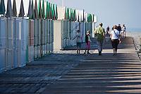 Europe/France/Picardie/80/Somme/Baie de Somme/Cayeux-sur-Mer: Sation balnéaire populaire avec sa plage de galets et ses 400 cabines de plage