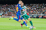 Aleix Vidal of FC Barcelona (L) fights for the ball with David Junca Rene of SD Eibar (R) during the La Liga 2017-18 match between FC Barcelona and SD Eibar at Camp Nou on 19 September 2017 in Barcelona, Spain. Photo by Vicens Gimenez / Power Sport Images