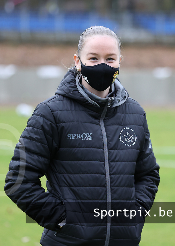 Magali Dinon of Woluwe pictured before a female soccer game between FC Femina White Star Woluwe and Sporting Charleroi on the 10 th matchday of the 2020 - 2021 season of Belgian Scooore Womens Super League , Saturday 19 th of December 2020  in Woluwe , Belgium . PHOTO SPORTPIX.BE | SPP | SEVIL OKTEM