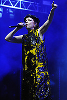 CHICAGO, IL - SEPTEMBER 11: Shirley Manson pictured as Garbage performs on Alanis Morissette's 25th anniversary tour for 'Jagged Little Pill' at Tinley Park in Chicago, Illinois on September 11, 2021. <br /> CAP/MPI/RTN/AMB<br /> ©AMB/RTN/MPI/Capital Pictures