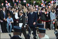 JACQUES CHIRAC. CEREMONIE AU MONT VALERIEN DU 70 EME ANNIVERSAIRE DE L' APPEL LANCE PAR LE GENERAL DE GAULLE LE 18 JUIN 1940 , EN PRESENCE DE NICOLAS SARKOZY ' PRESIDENT DE LA REPUBLIQUE FRANCAISE ' ET DES MEMBRES DU GOUVERNEMENT.