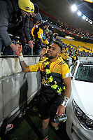 Willis Halaholo thanks fans after the Super Rugby final match between the Hurricanes and Lions at Westpac Stadium, Wellington, New Zealand on Saturday, 6 August 2016. Photo: Dave Lintott / lintottphoto.co.nz