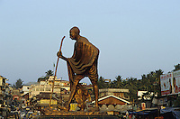 "Asien Indien IND .Mahatma Gandhi Statue Denkmal in Port Blair - Politik Unabh?ngigkeit Freiheitsbewegung Gewaltlosigkeit ziviler Ungehorsam gegen Kolonialmacht Kolonie Zivilgesellschaft Staat indische Union Demokratie xagndaz | .Asia India .Freedom fighter Mahatma Gandhi memorial - nonviolence movement Independence struggle ahimsa democracy .| [copyright  (c) agenda / Joerg Boethling , Veroeffentlichung nur gegen Honorar und Belegexemplar an / royalties to: agenda  Rothestr. 66  D-22765 Hamburg  ph. ++49 40 391 907 14  e-mail: boethling@agenda-fototext.de  www.agenda-fototext.de  Bank: Hamburger Sparkasse BLZ 200 505 50 kto. 1281 120 178  IBAN: DE96 2005 0550 1281 1201 78 BIC: ""HASPDEHH"" ,  WEITERE MOTIVE ZU DIESEM THEMA SIND VORHANDEN!! MORE PICTURES ON THIS SUBJECT AVAILABLE!! INDIA PHOTO ARCHIVE: http://www.visualindia.net] [#0,26,121#]"