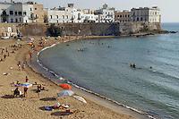 - Puglia, Gallipoli, la spiaggia sotto la città vecchia<br /> <br /> - the beach under the ancient city