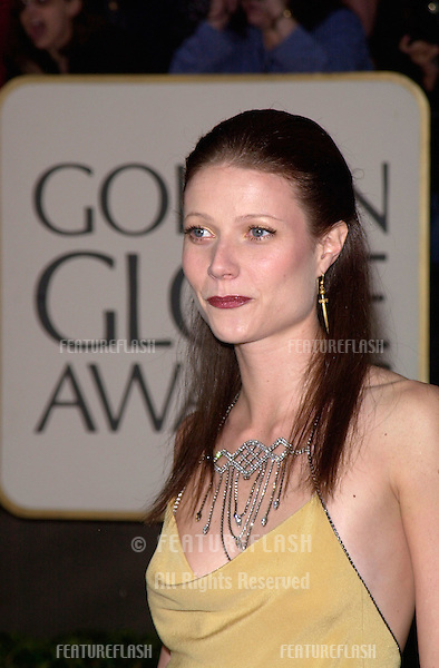 23JAN2000:  Actress GWYNETH PALTROW at the Golden Globe Awards in Beverly Hills..© Paul Smith / Featureflash