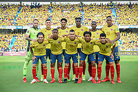 BARRANQUILLA - COLOMBIA - 14-10-2021:  Jugadores de Colombia posan para una foto previo al partido entre Colombia (COL) y Ecuador (ECU) por la fecha 12 como parte de la clasificatoria a la Copa Mundo FIFA Catar 2022 jugado en el estadio Metropolitano Roberto Melendez de la ciudad de Barranquilla. / Players of Colombia pose to a photo prior a match for the date 12 as part of FIFA World Cup Qatar 2022 Qualifier between Colombia (COL) and Ecuador (ECU) played at Metropolitano Roberto Melendez stadium in Barranquilla city. Photo: VizzorImage / Jairo Cassiani / Cont