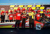NHRA Mello Yello Drag Racing Series<br /> NHRA Carolina Nationals<br /> zMAX Dragway, Concord, NC USA<br /> Sunday 16 September 2017 Doug Kalitta, Mac Tools, top fuel dragster, victory, celebration, trophy<br /> <br /> World Copyright: Mark Rebilas<br /> Rebilas Photo