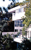 Richard Neutra: Lovell House, 1929. Hollywood. Photo '82.