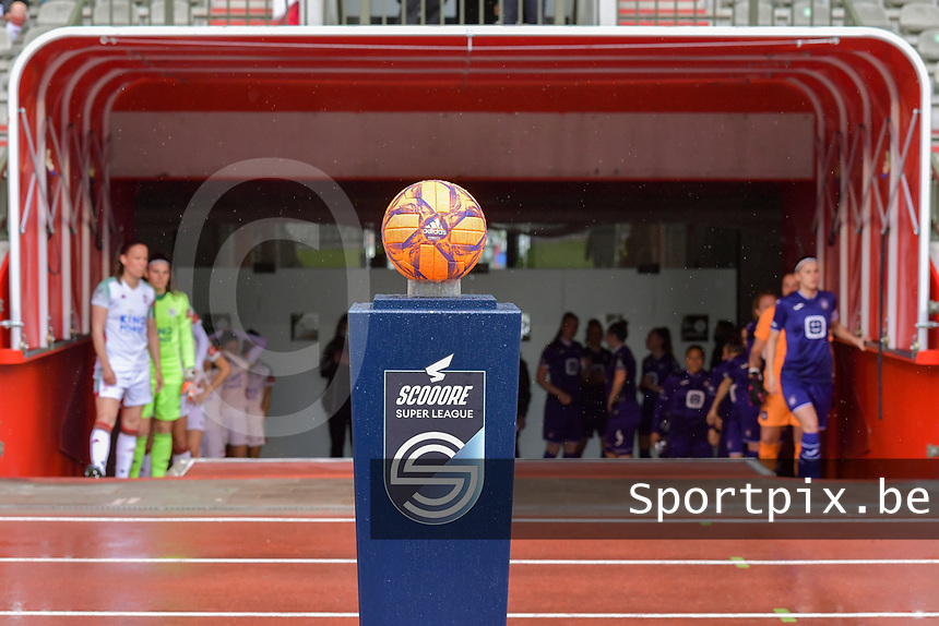 matchball pictured before a female soccer game between RSC Anderlecht Dames and Oud Heverlee Leuven on the seventh matchday of play off 1 of the 2020 - 2021 season of Belgian Womens Super League , saturday 15 th of May 2021  in Brussels , Belgium . PHOTO SPORTPIX.BE | SPP | STIJN AUDOOREN
