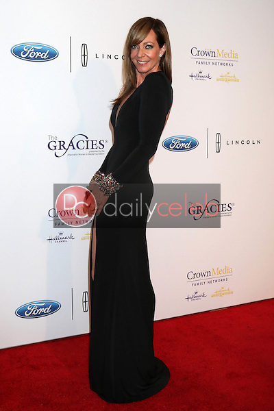 Allison Janney<br /> at the 41st Annual Gracie Awards Gala, Beverly Wilshire Hotel, Beverly Hills, CA 05-24-16<br /> David Edwards/DailyCeleb.com 818-249-4998