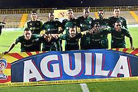 BOGOTA - COLOMBIA -21 -10-2016: Los jugadores de La Equidad posan para una foto, durante partido entre La Equidad y Boyaca Chico FC, por la fecha 17 de la Liga Aguila II-2016, jugado en el estadio Metropolitano de Techo de la ciudad de Bogota. / The players of La Equidad pose for a photo during a match La Equidad and Boyaca Chico FC, for the  date 17 of the Liga Aguila II-2016 at the Metropolitano de Techo Stadium in Bogota city, Photo: VizzorImage  / Luis Ramirez / Staff.
