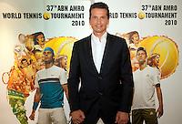 30-9-09, Amsterdam, Tennis, Persconferentie ABNAMROWTT, Richard Krajicek geeft de eerste spelers namen vrij, rechts Djokovic en links Nadal