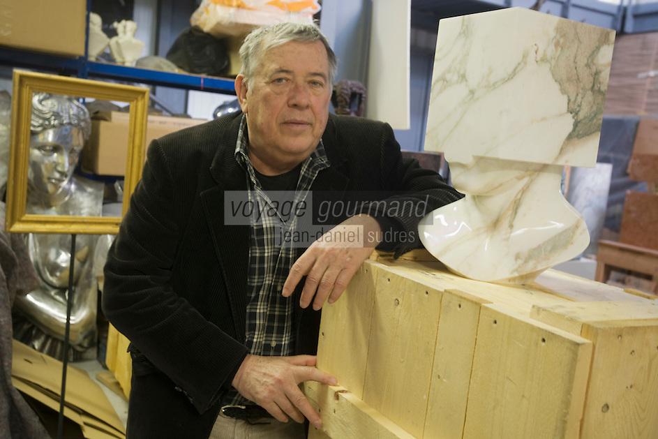 Europe/France/Provence-Alpes-Côte d'Azur/06/Alpes-Maritimes/Nice: Sacha Sosno Sculpteur Ecole de Nice dans son atelier<br /> <br /> PHOTO D'ARCHIVES // ARCHIVAL IMAGES<br /> FRANCE 2008