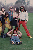 DAVID LEE ROTH, WITH VARIOUS GIRLS, LOCATION, 1980, NEIL ZLOZOWER