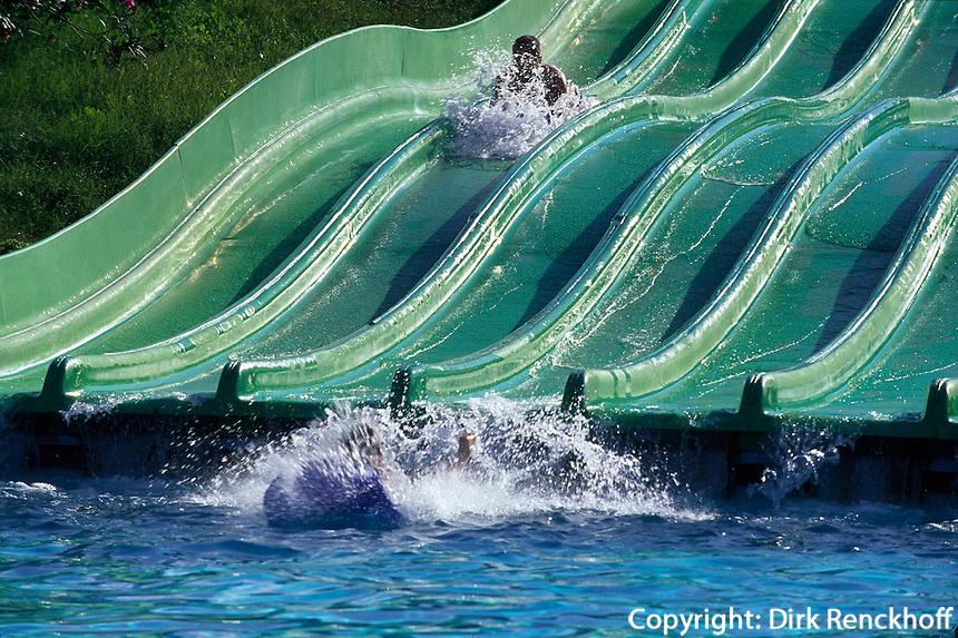 Wasserrutsche im Aquapark von Magaluf, Mallorca, Spanien