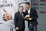 Real Madrid´s Cristiano Ronaldo (R) receives from Florentino Perez the Golden Boot `Bota de Oro´ 2013-14 to the best striker, at Melia Hotel in Madrid, Spain. November 05, 2014. (ALTERPHOTOS/Victor Blanco)