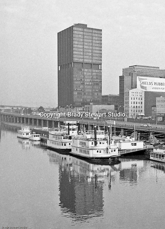 Pittsburgh PA:  View of the new Westinghouse Tower at 11 Stanwix Street in Pittsburgh from the Smithfield Street bridge.<br /> In the foreground, the expanded Gateway Clipper fleet is docked at the Monongahela Wharf.<br /> Westinghouse moved from the building in 1999 and consolidated operations at its Research Park in Churchill PA.
