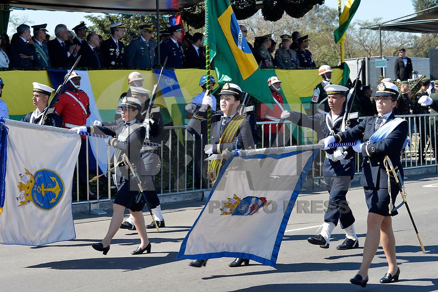 PORTO ALEGRE, RS, 07.09.2018 - INDEPENDENCIA-RS - Desfile Cívico Militar em Porto Alegre, no dia da Independência do Brasil nesta sexta-feira, 07. Ao todo, foram 4,5 mil integrantes do Exército, Marinha, Aeronáutica, Brigada Militar, Bombeiros, Polícia Civil, PRF, EPTC e Guarda Municipal desfilaram divididos em 42 grupos, com 200 veículos. Segundo o 1º BPM, cerca de 5 mil pessoas acompanharam o desfile na avenida Edvaldo Pereira Paiva, nesta sexta-feira, 7. (Foto: Donaldo Hadlich/Brazil Photo Press)