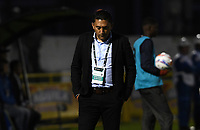 TUNJA - COLOMBIA, 15-04-2018: Diego Andres Corredor técnico de Patriotas Boyacá gesticula durante partido contra Atlético Junior  por la fecha 15 de la Liga Águila I 2018 realizado en el estadio La Independencia de Tunja. / Diego Andres Corredor coach of Patriotas Boyaca gestures during match against Atletico Junior  for the date 15 of Aguila League I 2018 played at La Independencia stadium in Tunja. Photo: VizzorImage / Cristian Alvarez / Cont