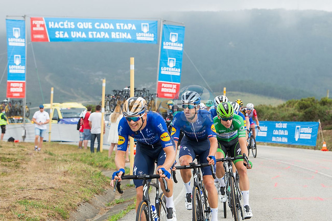Green Jersey Fabio Jakobsen (NED) Deceuninck-Quick-Step is dropped during Stage 19 of La Vuelta d'Espana 2021, running 191.2km from Tapia de Casariego to Monforte de Lemos, Spain. 3rd September 2021.    <br /> Picture: Cxcling   Cyclefile<br /> <br /> All photos usage must carry mandatory copyright credit (© Cyclefile   Cxcling)