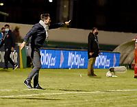 TUNJA - COLOMBIA, 28-03-2021: Abel Segovia, tecnico de Patriotas Boyaca F. C. durante partido de la fecha 15 entre Patriotas Boyaca F. C. y Aguilas Doradas Rionegro por la Liga BetPlay DIMAYOR I 2021, jugado en el estadio La Independencia de la ciudad de Tunja. / Abel Segovia, coach of Patriotas Boyaca F. C. during a match of the 15th date between Patriotas Boyaca F. C. and Aguilas Doradas Rionegro for the BetPlay DIMAYOR I 2021 League played at the La Independencia stadium in Tunja city. / Photo: VizzorImage / Macgiver Baron / Cont.