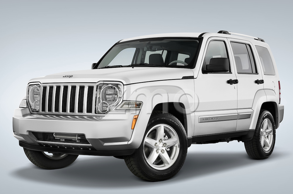 Low aggressive driver side front three quarter view of a 2008 Jeep Liberty Limited