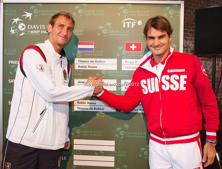 13-09-12, Netherlands, Amsterdam, Tennis, Daviscup Netherlands-Swiss, Draw   Thiemo de Bakker(L) and Roger Federer