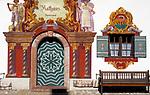 Deutschland, Bayern, Oberbayern, Chiemgau, Ruhpolding, Lueftlmalerei am Ruhpoldinger Rathaus | Germany, Bavaria, Upper Bavaria, Chiemgau, Ruhpolding: paintings at town hall
