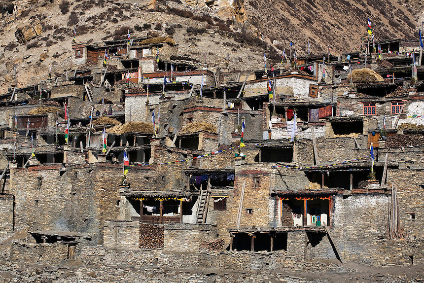 The TIBETAN VILLAGE of NAR - NAR PHU TREK, ANNAPURNA CONSERVATION AREA, NEPAL