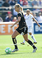 24 May 2009: Leslie Osborne of the FC Gold Pride in action during the game against Los Angeles Sol at Buck Shaw Stadium in Santa Clara, California.  Los Angeles Sol defeated FC Gold Pride, 2-0.
