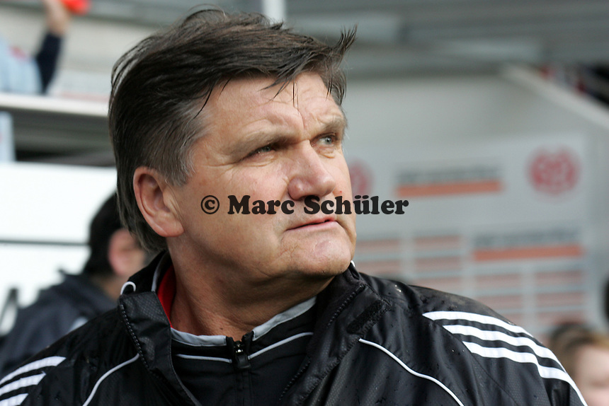 Trainer Hans Meyer (1. FC Nuernberg) +++ Marc Schueler +++ 1. FSV Mainz 05 vs. 1. FC Nuernberg, 24.02.2007, Stadion am Bruchweg Mainz +++ Bild ist honorarpflichtig. Marc Schueler, Kreissparkasse Grofl-Gerau, BLZ: 50852553, Kto.: 8047714