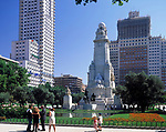 Spanien, Kastilien, Madrid: Plaza de Espana mit dem Cervantes Denkmal | Spain, Castile, Madrid: Plaza de Espana with Cervantes monument