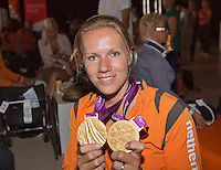 2012-09-10 Paralympic athletes arriving in Rotterdam