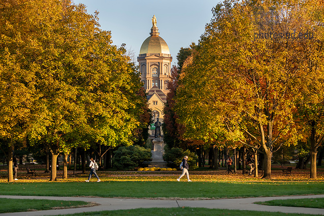 October 28, 2020; Main Building, fall 2020. (Photo by Barbara Johnston/University of Notre Dame)