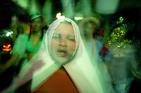 Artistas paraenses durante homenagem a  Nossa Senhora de Nazaré as vésperas do círio.<br /> Belém, Pará, Brasil.<br /> Foto Paulo Santos<br /> 2007