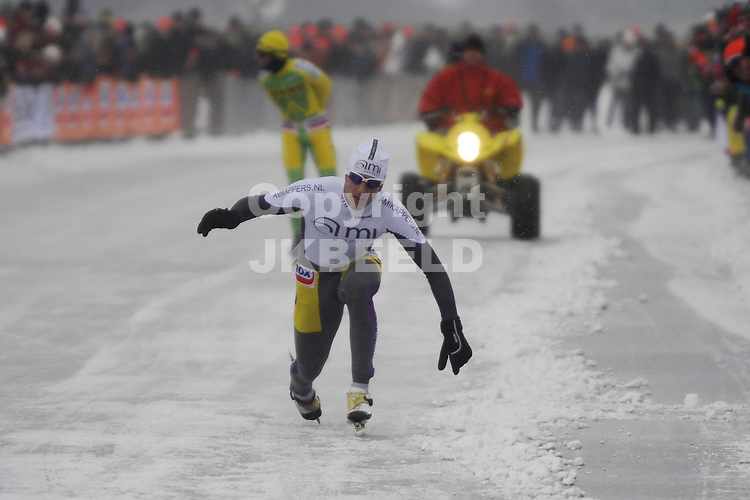 schaatsen nk marathon heren zuidlaardermeer 10-02-2010 ingmar berga als derde over de streep