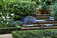 Ponds & Parterres - English Urban Garden