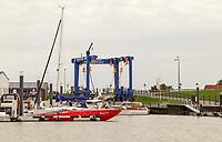 Schiffe im Hafen von Norddeich - Norddeich 23.07.2020: Fahrt mit der Nordmeer zu den Seehundbänken